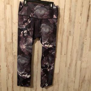Apana black & grey camp print workout leggings S